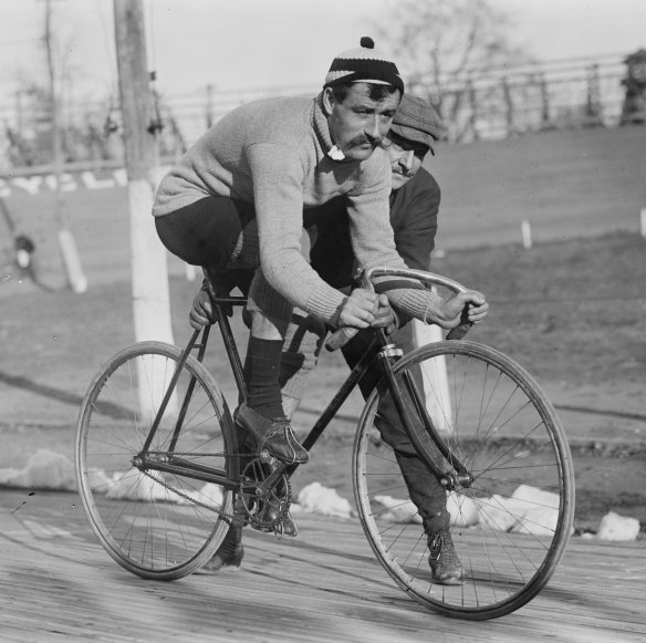 French racing cyclist Léon Georget in 1909.
